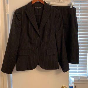 Brooks brothers suit skirt 6 jacket 8